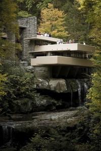 Die Villa Fallingwater. Wer hat sie wohl erbaut?