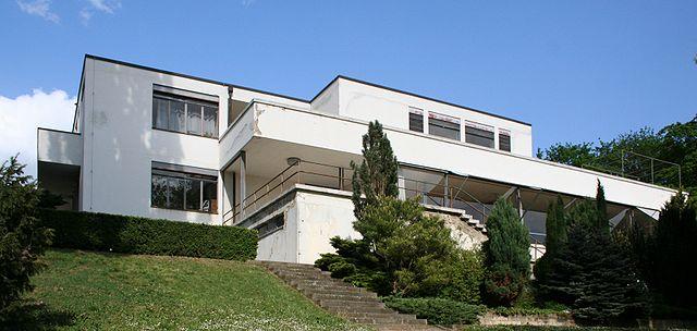 Ber hmtheiten der architektur ludwig mies van der rohe for Modernes haus glasfront