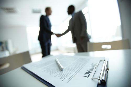 Die Bank ist Ihr wichtiger Finanzierungspartner beim Hauskauf (depositphoto / pressmaster)