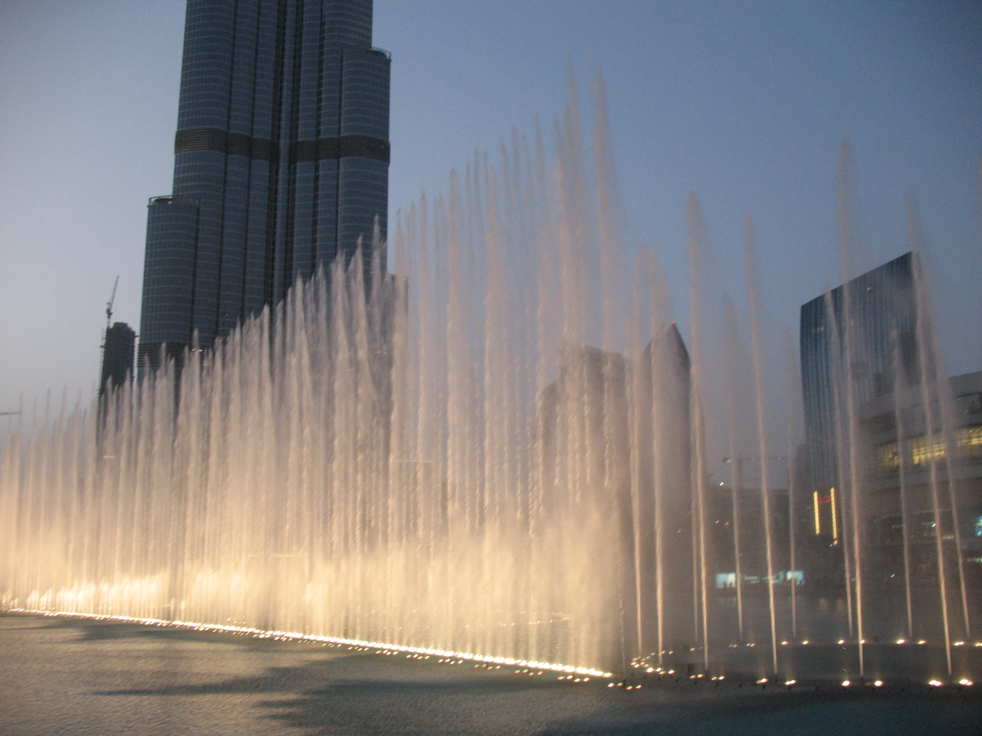 Der Dubai Fountain (Foto: Nealt, CC 3.0