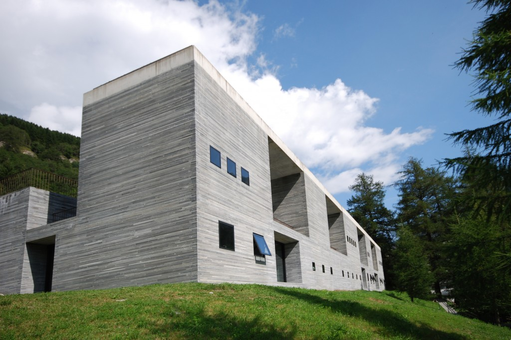 2-therme-vals-Frontfassade