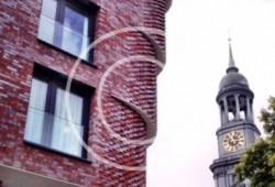 Bild #00017, Klinkerfassade vor dem Michel, Foto Preikschat